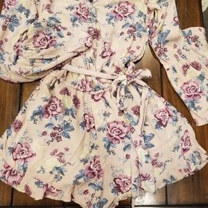 Ladies Small Floral American Eagle romper